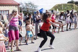 Zumba är en rolig form av dans där alla kan delta