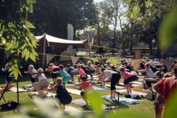Yoga på Hallispirit